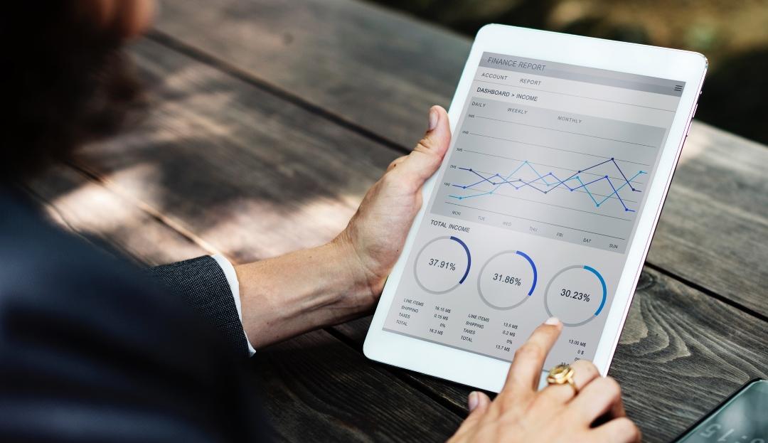 SEO Analytics Tablet
